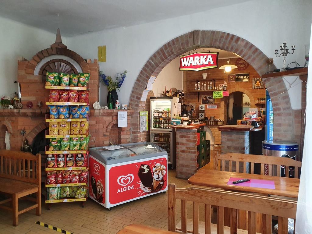 Restauracja Tawerna zaprasza na ciepłe i zimne posiłki, lody oraz do skorzystania z menu baru i kawiarni