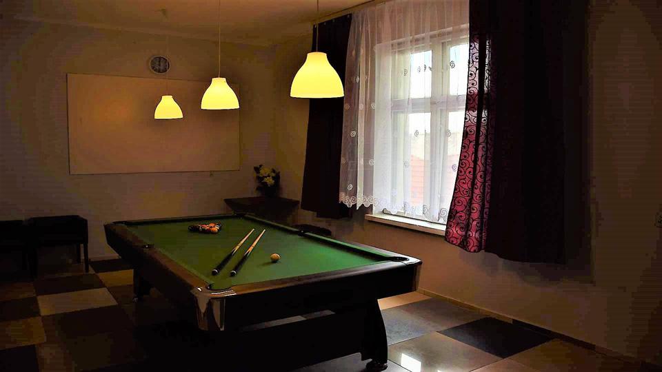 Stół do gry w bilard dla gości EKODAR