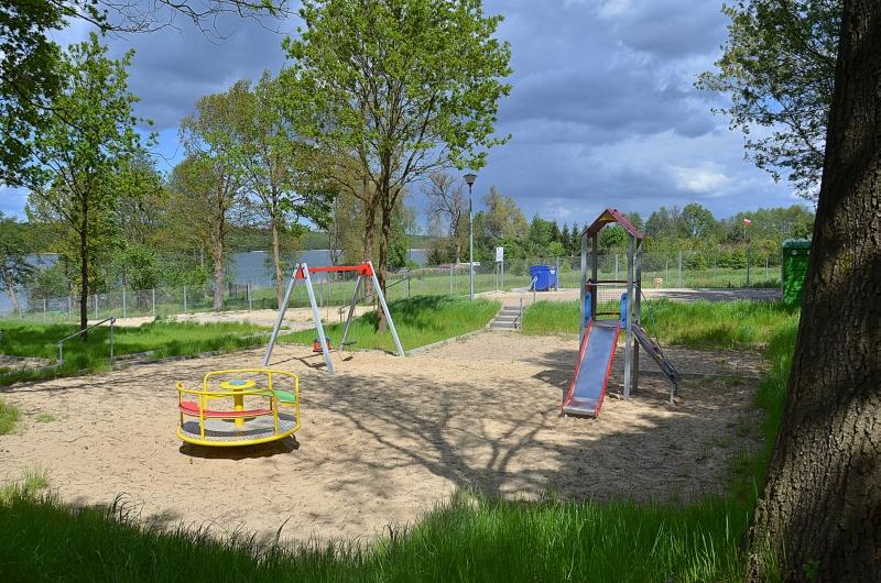 Plac zabaw dla dzieci na terenie ośrodka EKODAR