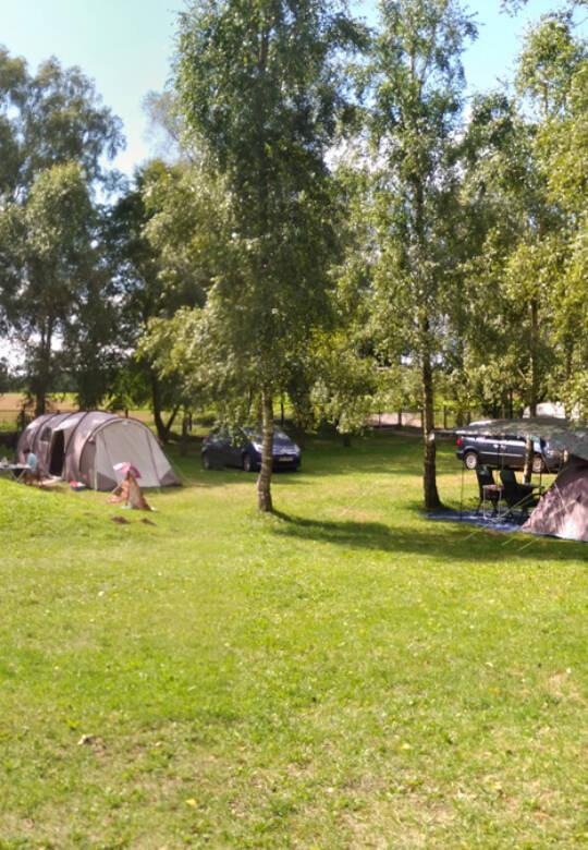 Pole namiotowe kemping oraz domki na wynajem
