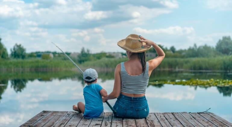 Wakacje z dzieckiem w domku nad jeziorem